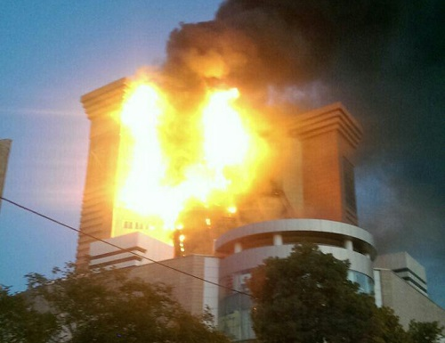 جزئیات بیشتر از آتشسوزی در برج سلمان مشهد / فیلم