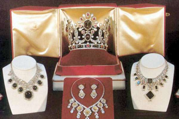 بزرگترین مجموعه جواهرات دولتی جهان در ایران