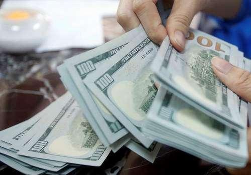دلار در بازار از سطح 3850 تومان عبور کرد