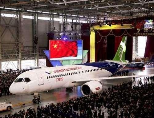اولین هواپیمای مسافری ساخت چین بزودی به پرواز در میآید