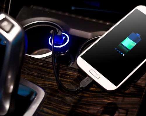 استفاده از شارژر فندکی به باتری آسیب میرساند؟